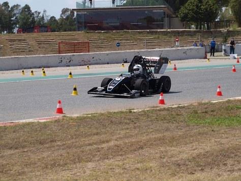 El DYN-05, el vehículo del equipo de estudiantes Dynamics UPC Manresa, no decepciona en la nueva edición de la Formula Student Spain